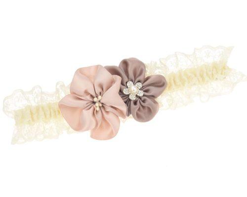Strumpfband mit zwei handgefertigten Blüten.